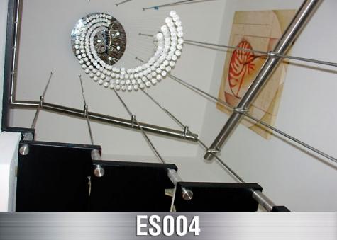 ES004