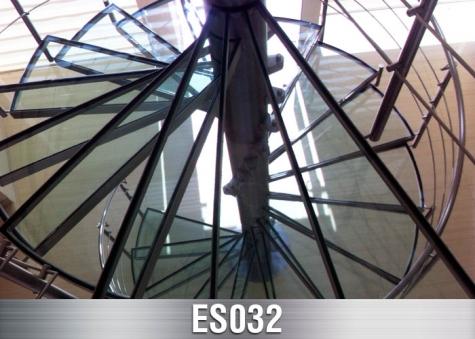 ES032