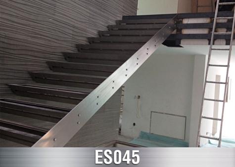 ES045